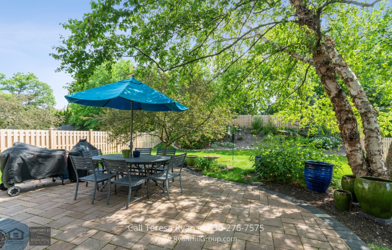 North Aurora, IL real estate for sale - This North Aurora, IL house comes with a brick paver patio accessible through the kitchen!