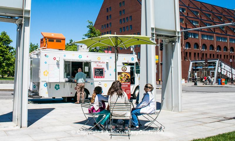 Food trucks on Rose Kennedy Greenway