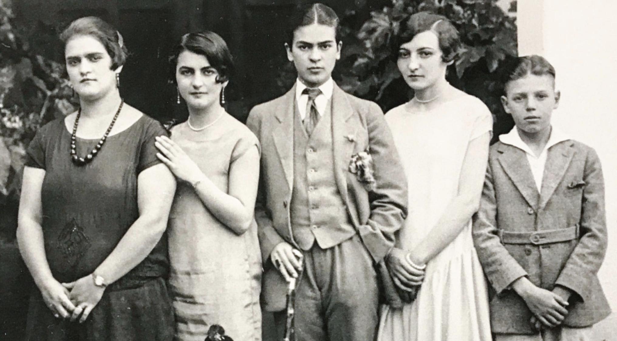 Frida Kahlo: Pose