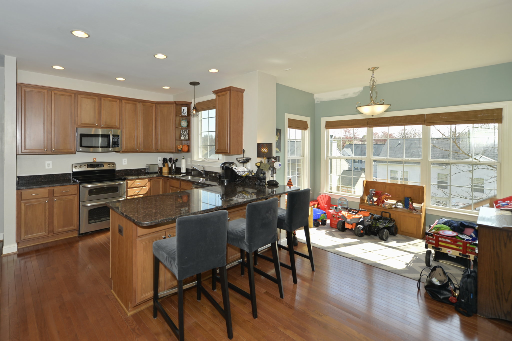 A picture of the kitchen at 17662 Cleveland Park Drive in Round Hill, Virginia