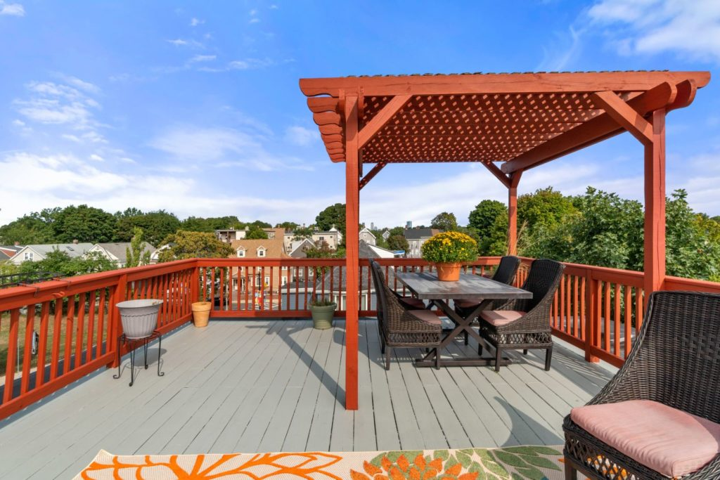 Pergola on roff deck with views