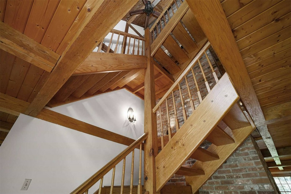 19 Patricia Road_Mansfield_Staircase_GSIR