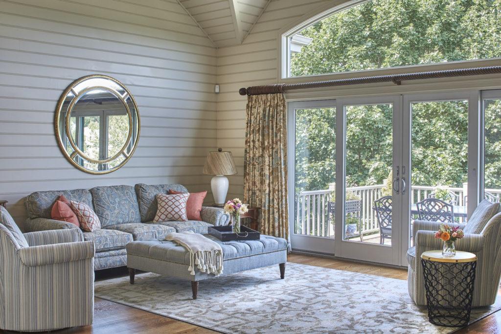 Quaint living room with glass doors