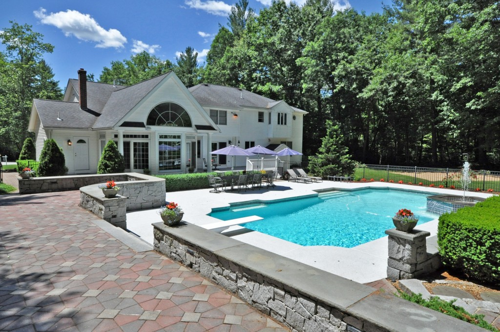 7 Collins Brook Road- Windham, NH   Four Seasons Sotheby's International Realty   $969,000