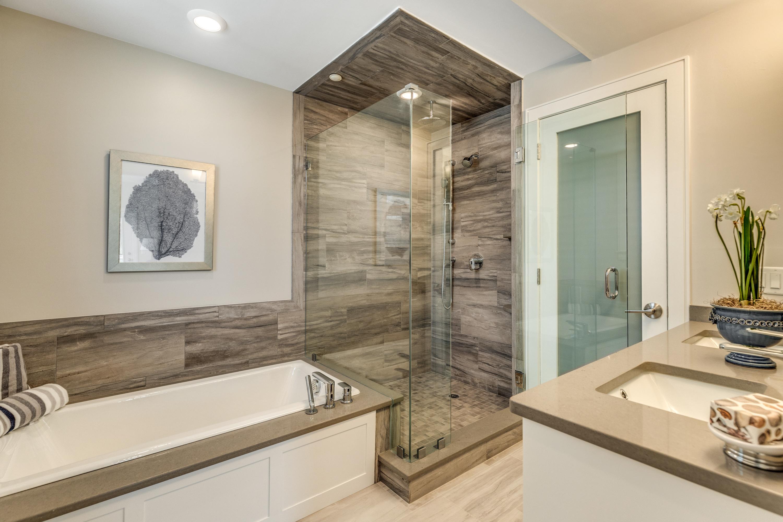 8_Bathroom-0208