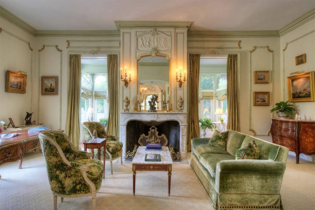 Quatrel on Bellevue_Living Room