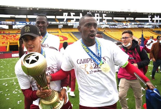 Caicedo celebrando el título / Foto VizzorImage