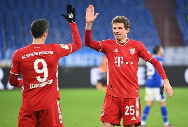 Lewandowski celebra un tanto en la victoria de Bayern / Foto AFP