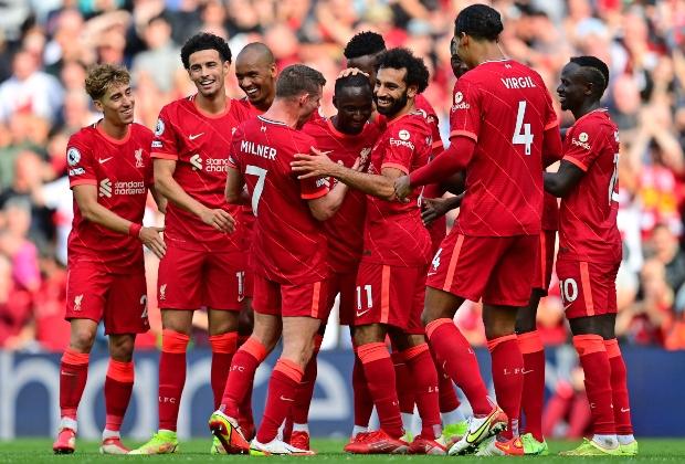 Liverpool goleó y sigue invicto en la Premier League / AFP