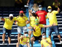 La hinchada colombiana no abandona/ VizzorImage - Jairo Cassiani