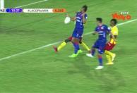 Pasto marcó, pero el árbitro anuló la jugada de gol por mano.