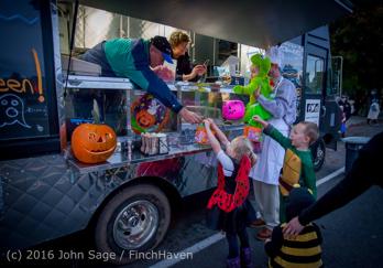 7027_Halloween_on_Vashon_Island_2016