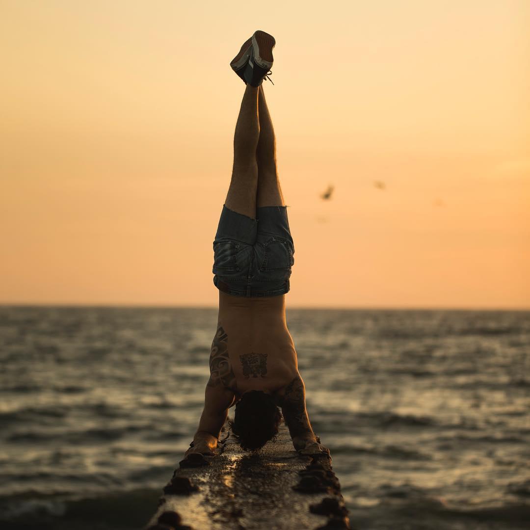 Calvin Corzine @calvmonster seeing the world upside down