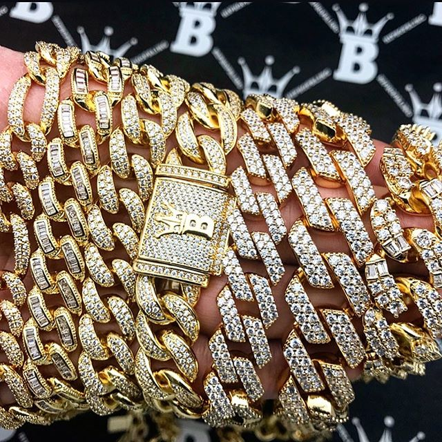 Cuban link swagger, real diamonds and gold for a low cost from Hip Hop Bling