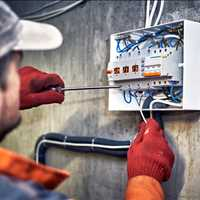 Best Online Marketing Services for Electricians Call Findit 404-443-3224