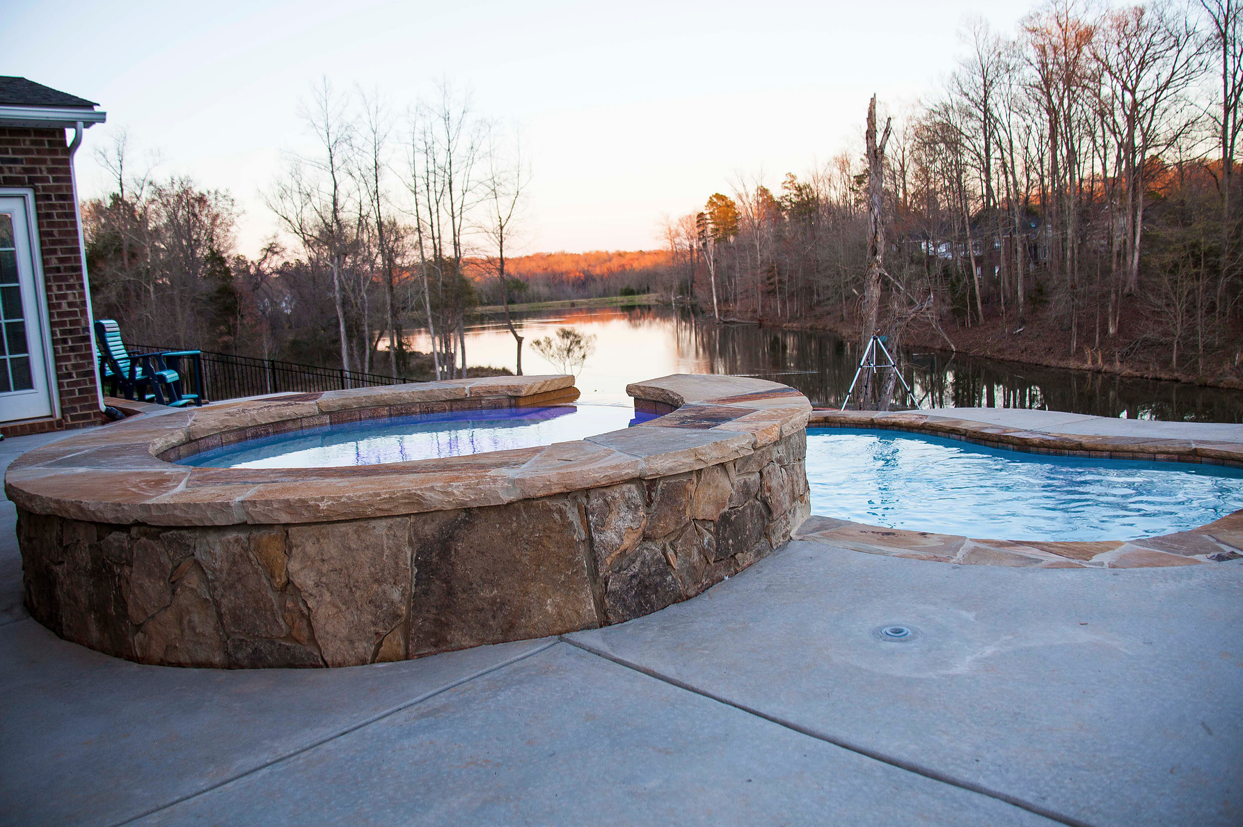 Vinyl Liner Pools Vs Concrete Swimming Pools, Which Is A Better Pool?