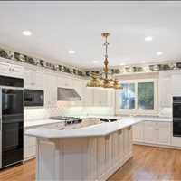 Large Kitchen 9661 Huntcliff Trace Sandy Springs GA 30350 Listed by Barb St Amant 404-271-6733