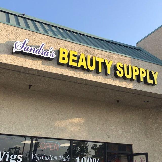 Welcome to Sandra's Beauty Supply - Layzie Bone