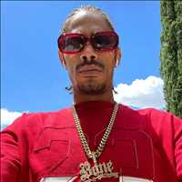 Phone is absolutely ringing off the hook, must def be a monday - Layzie Bone
