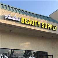 Welcome to Sandra's Beauty Supply - Layzie Bone