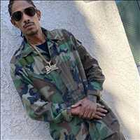 Where my soldiers at, we looking to roll fam - Layzie Bone