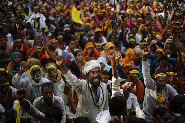 Indian dalits, or untouchables, shout slogans demanding equal growth opportunities