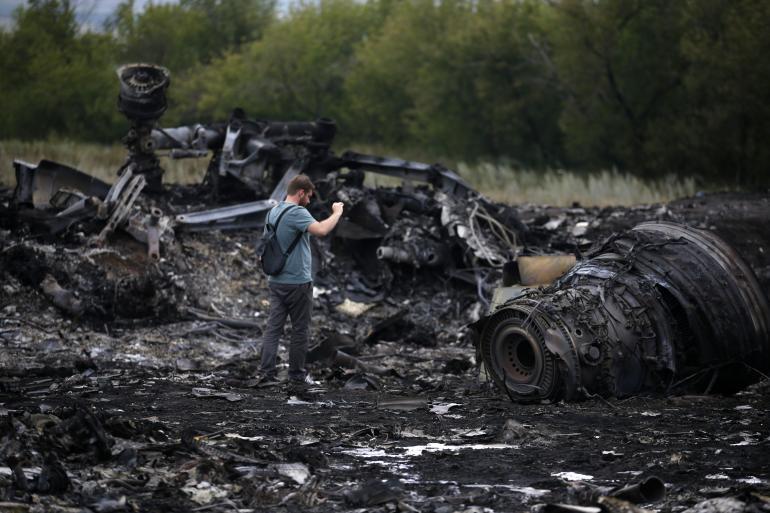 Investigators Reach Ukraine Crash Site