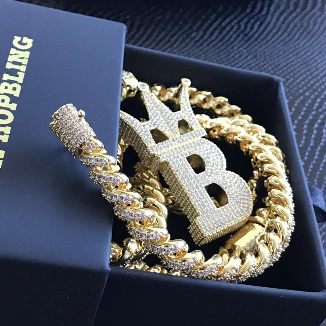 Custom diamond jewelry, fine diamonds and the best iced out pieced from Hip Hop Bling