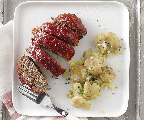 Mini-Meatloaves with Chili Sauce