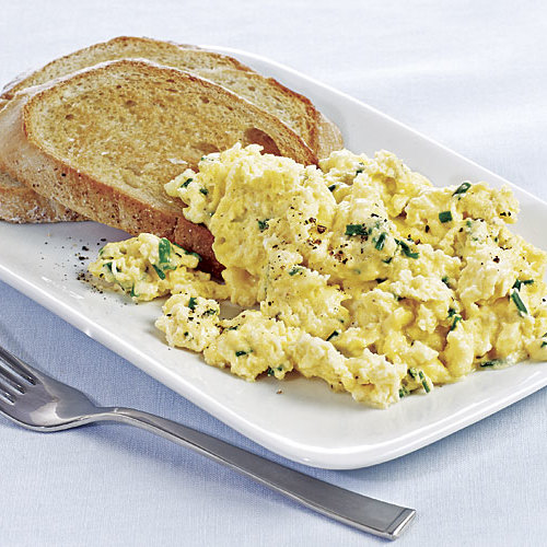 Oven Scrambled Eggs With Cheese: Mascarpone Scrambled Eggs With Garlic Toasts