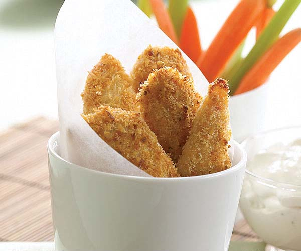Crisp & Spicy Chicken Tenders with Blue Cheese Dipping Sauce