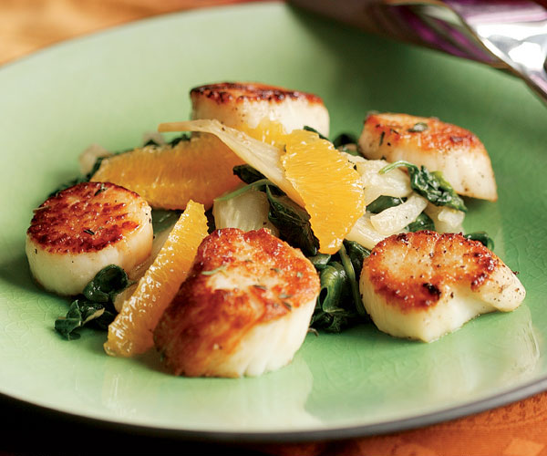 Seared Scallops with Wilted Fennel & Spinach Salad