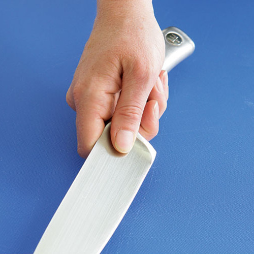 How To Hold A Chef S Knife Article Finecooking