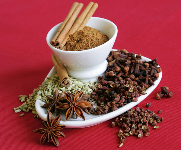 What is in chinese five spice