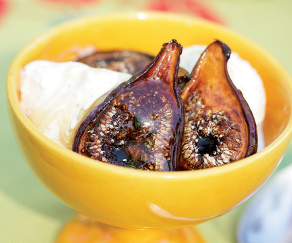 Grilled fresh figs with ice cream honey recipe finecooking grilled fresh figs with ice cream honey forumfinder Images