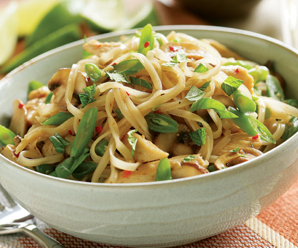Stir Fried Noodles With Chicken Mushrooms Amp Green Beans