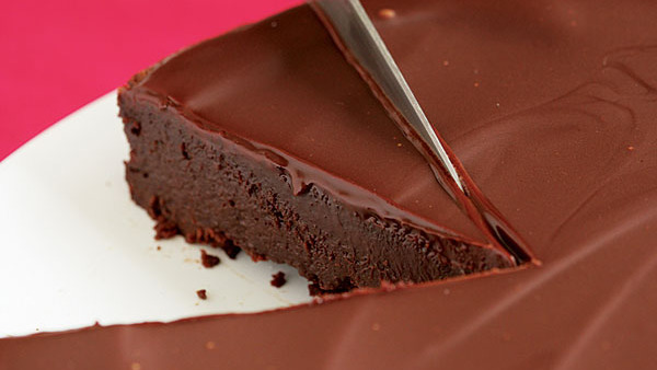 Flourless Chocolate Cake With Chocolate Glaze Recipe
