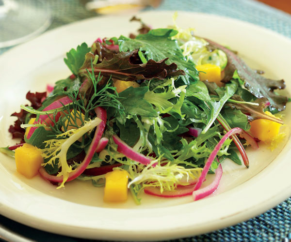 Baby Greens with Mango & Marinated Onion