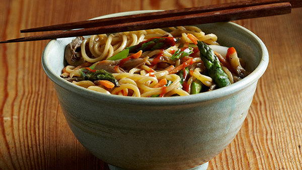 Spring vegetable lo mein recipe finecooking forumfinder Images