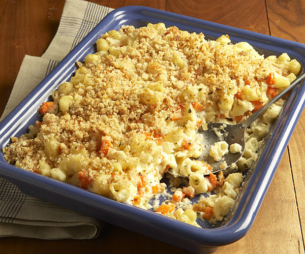 Asiago and Havarti Macaroni and Cheese with Carrots