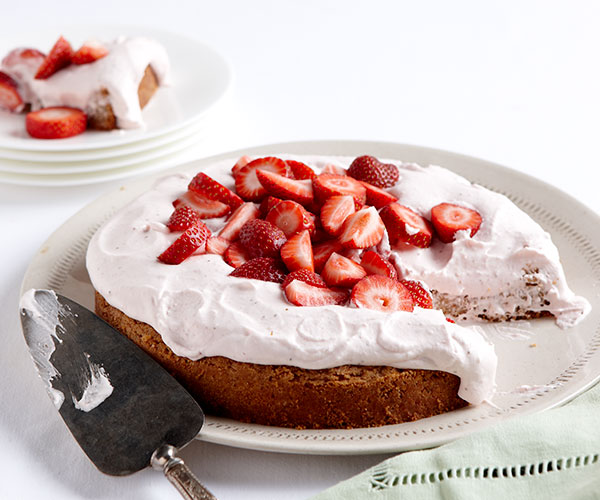 Strawberries Cream Torte Recipe: Strawberry Hazelnut Torte