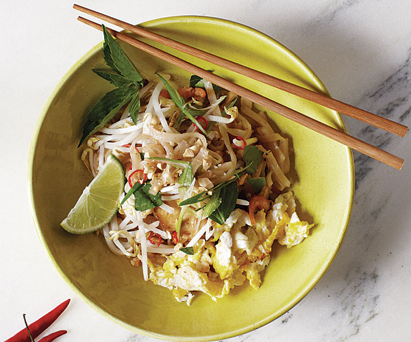Authentic pad thai recipe finecooking authentic pad thai by corinne trang fine cooking forumfinder