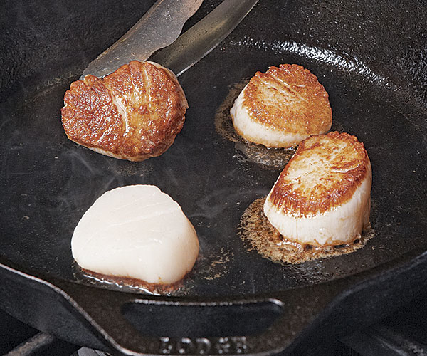 Maine Ingredient: How to Buy and Cook Sea Scallops - Article