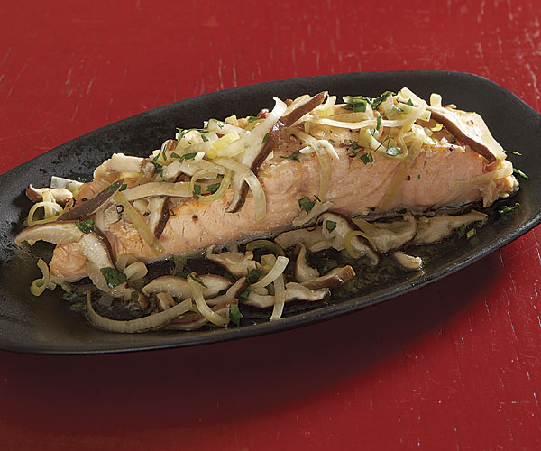 Steamed Salmon with Leeks, Shiitake, and Soy recipe