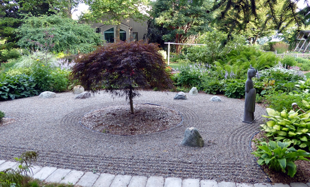 Superbe In Another Area, I Have Developed A Japanese Style Garden Where A Few Rocks  Are Used To Simulate Mountains Protruding Up Out Of The Sea.
