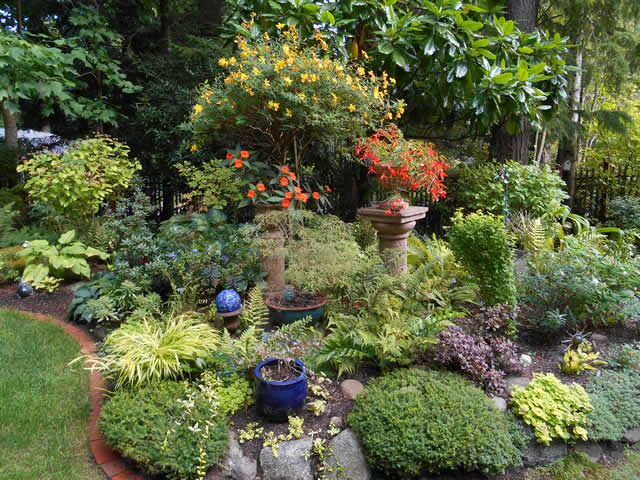 Elegant Linda Skyler Reminds Us All That We Are Never Ever Really Done With Our  Gardens!