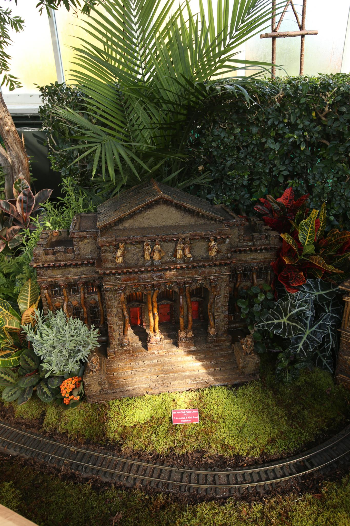 The Holiday Train Show at the New York Botanical Garden, Day 2 ...