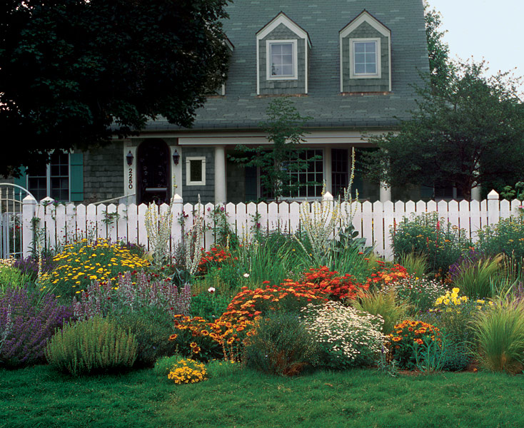 A FrontYard Garden in No Time FineGardening – Garden Plans For Front Of House
