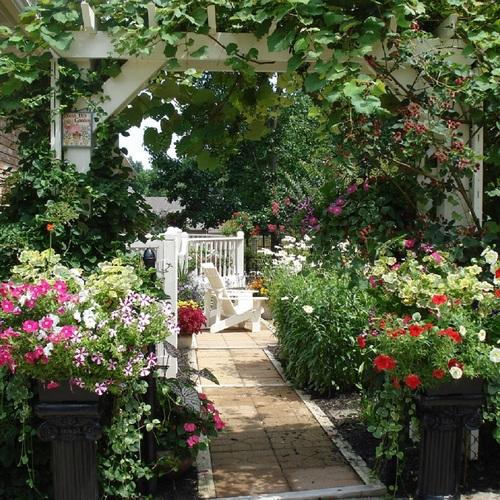 Revisiting Bob & Mary Ann\'s garden in Kentucky - FineGardening