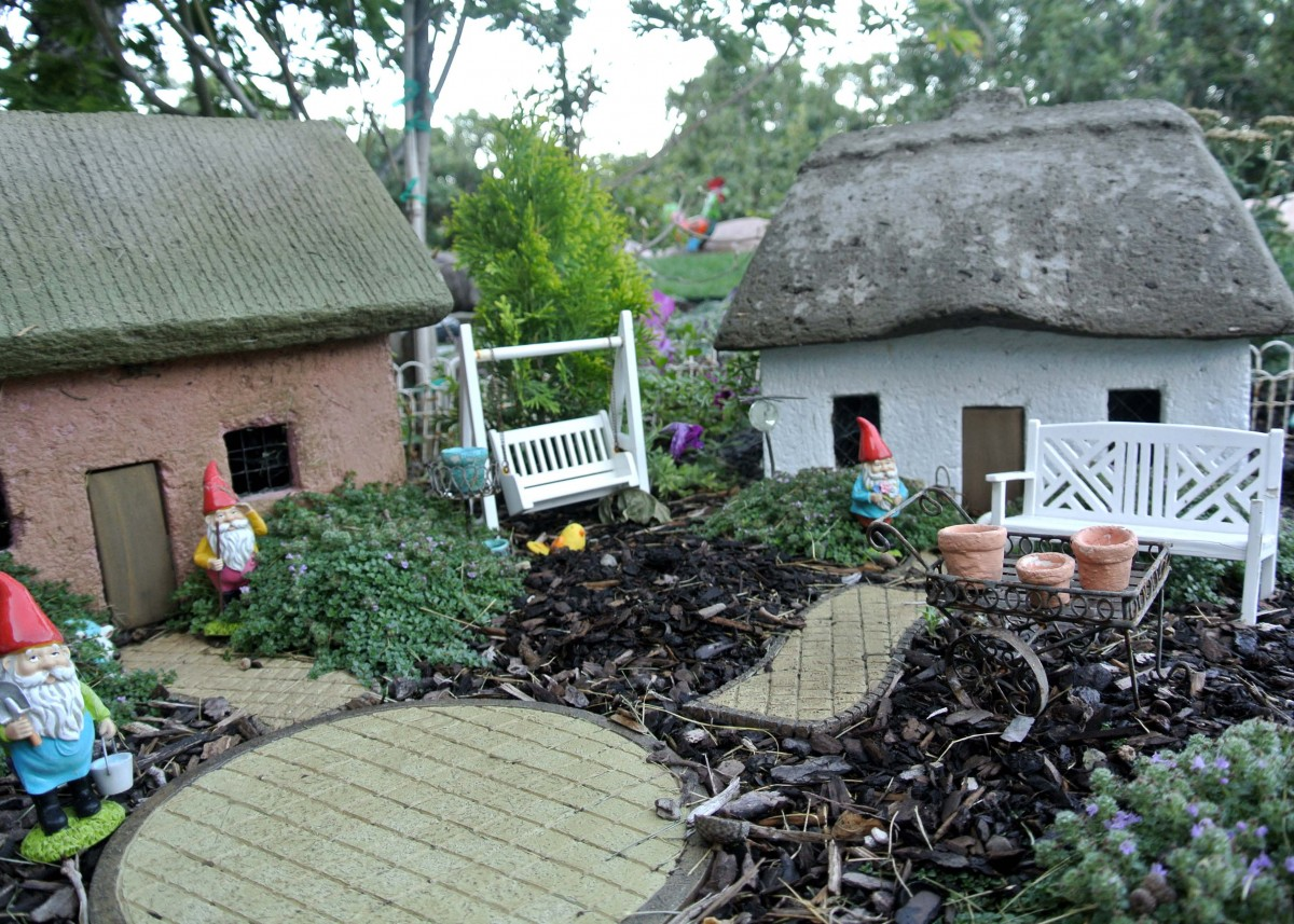 Lori's gnome garden in Utah - FineGardening on